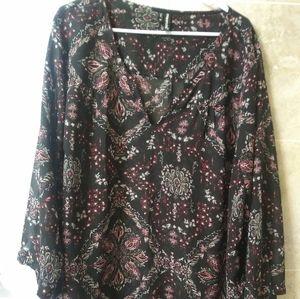Maurcies 4x floral boho blouse top black flowy